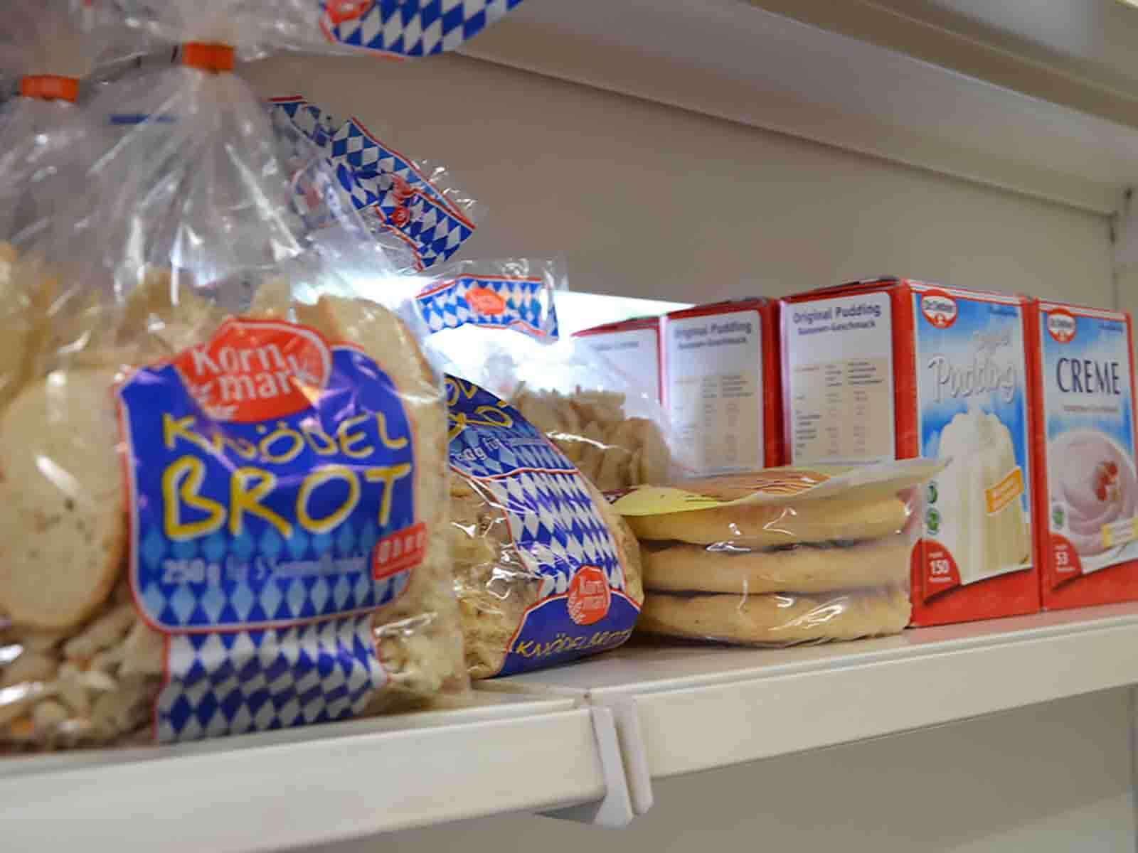 Viele Lebensmittel sind ohne Kühlung haltbar, wie etwa Brot ...