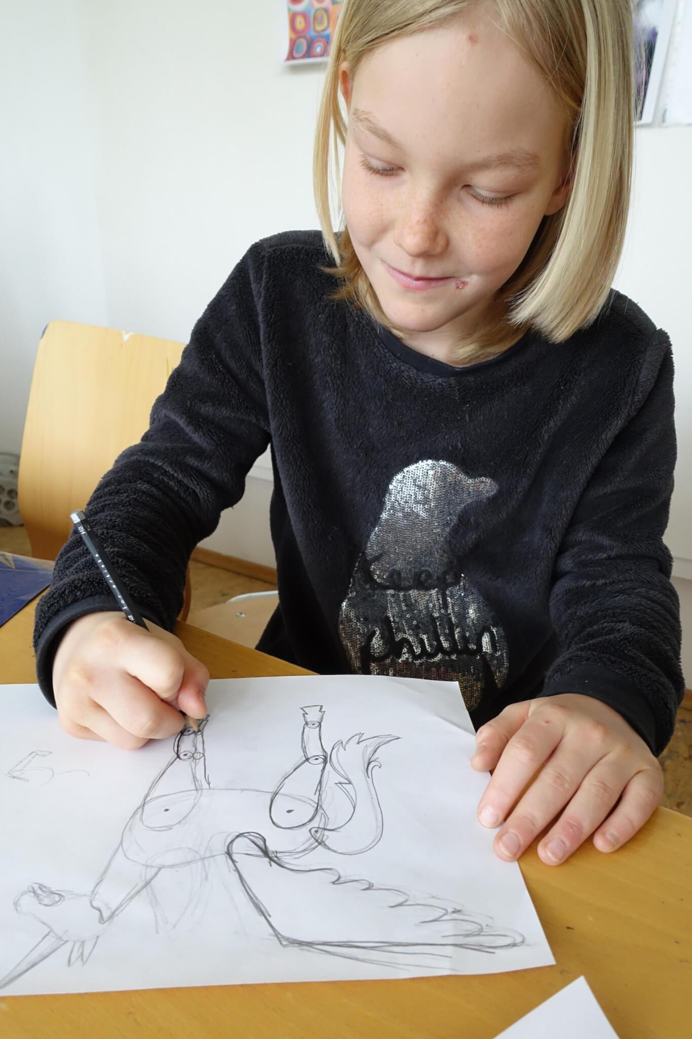 Die Figuren werden gezeichnet. Foto: Sonja Wessel.