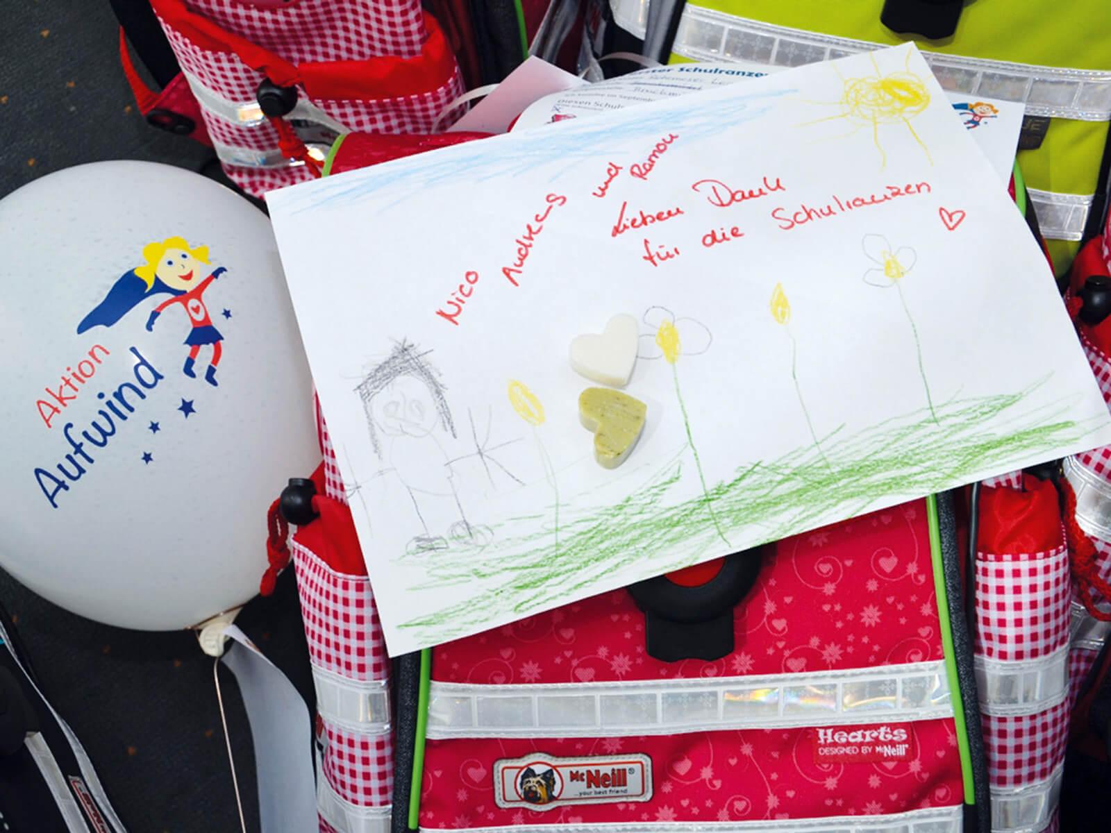 Rührend: Manche Kinder bedanken sich mit selbst gemachten Geschenken.