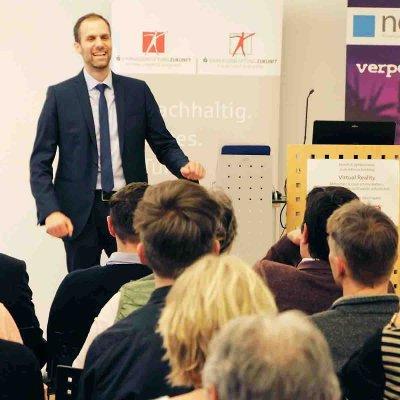 Durch den Nachmittag führte Benjamin Grünbichler, Geschäftsführer von Neon.