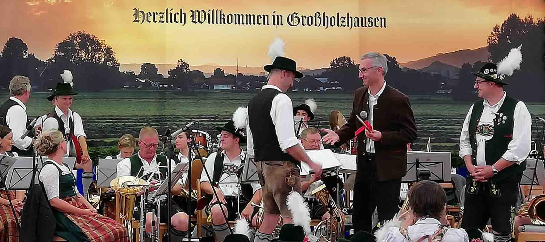 Ein neues Schlagzeug für die Musikkapelle Großholzhausen