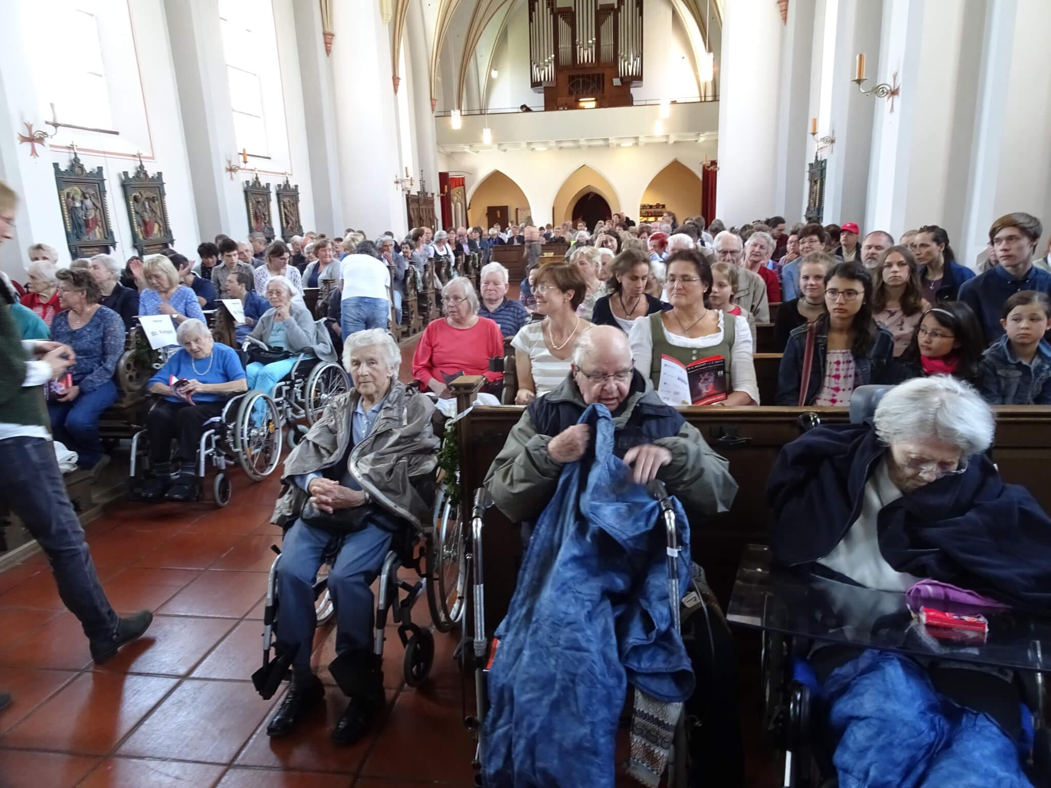 Insbesondere Senioren, die in Seniorenwohnheimen leben, waren zu dem Bach-Konzert eingeladen.